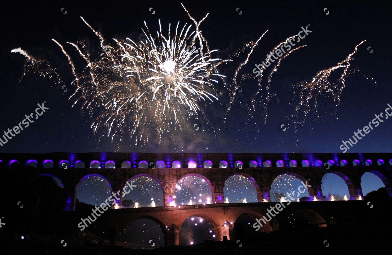 Fireworks Illuminate Sky During Winter Celebrations Pont