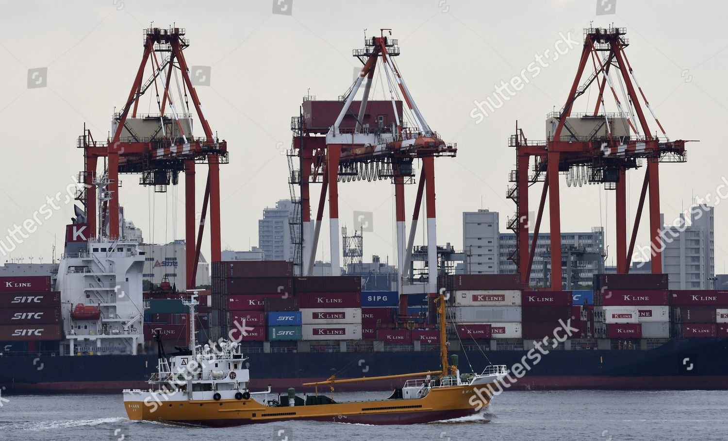 Ship Loaded Oi Container Terminal Tokyo Japan Editorial