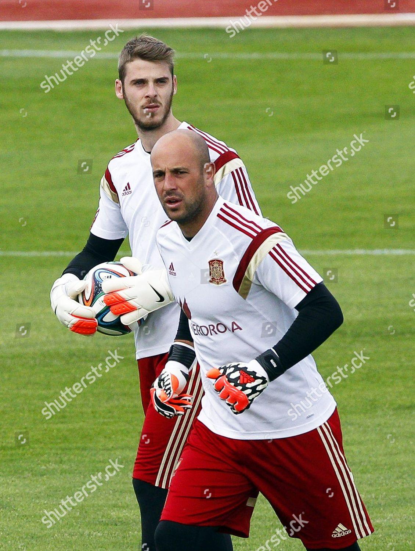 064fce47b Spanish National Soccer Team Goalkeepers David De Editorial Stock ...