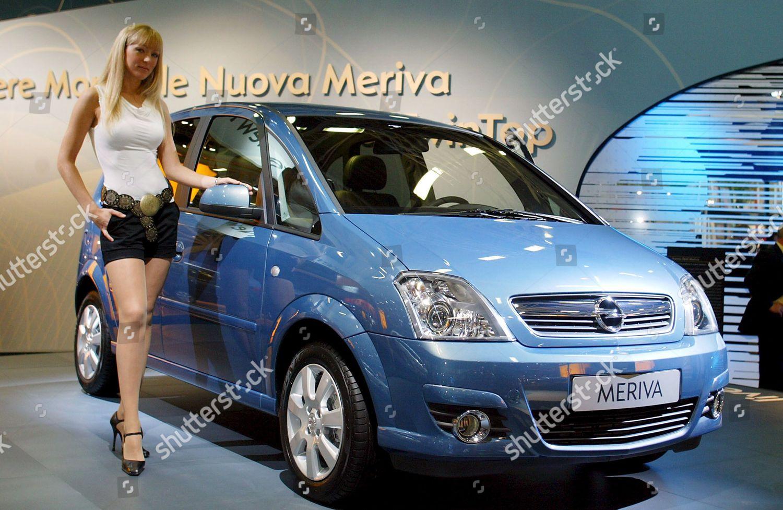 Model Presents New Opel Meriva Opc 2006 Foto Editorial Imagem De Banco Shutterstock