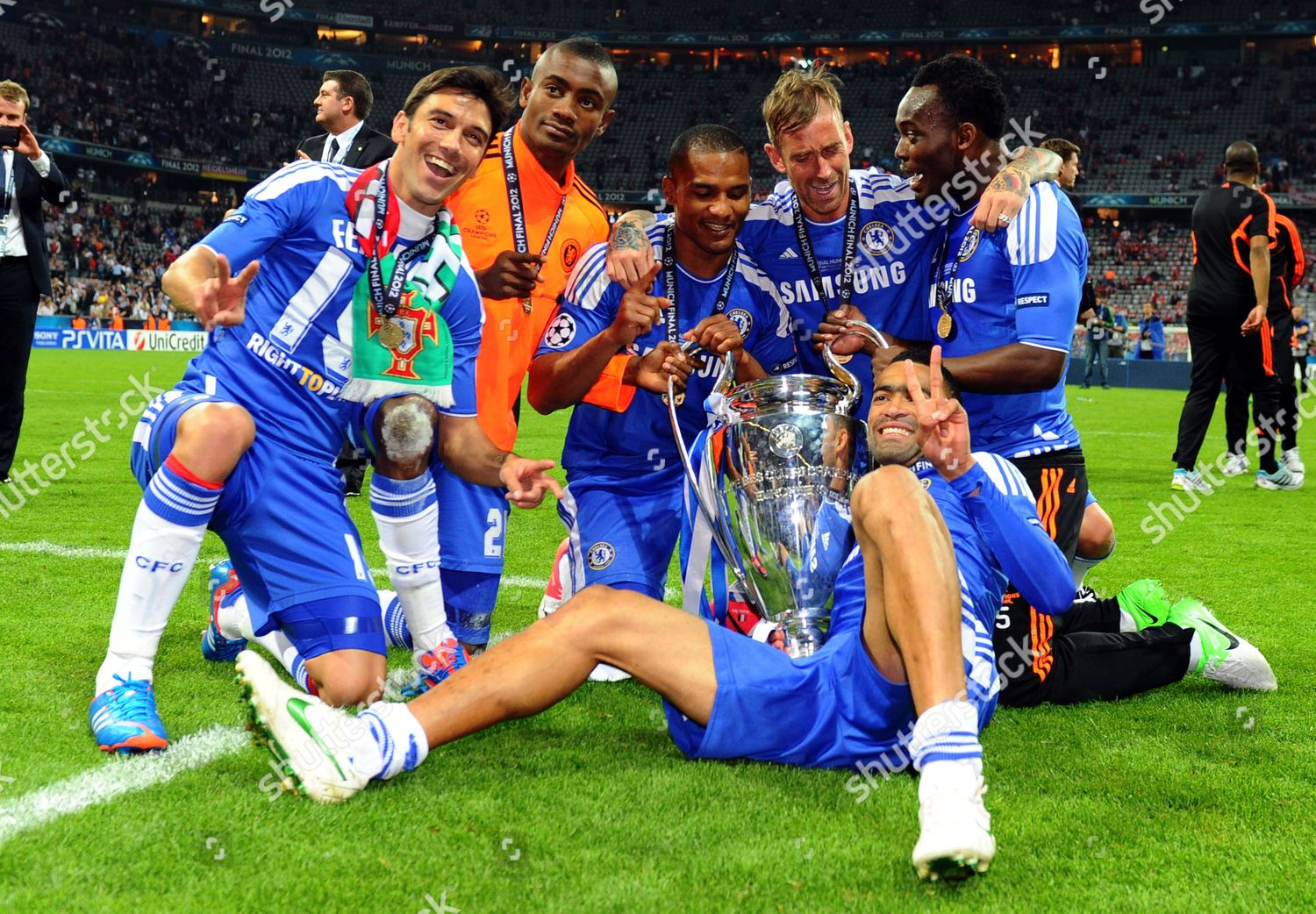 chelseas players celebrate trophy after winning uefa editorial stock photo stock image shutterstock https www shutterstock com editorial image editorial germany soccer uefa champions league final may 2012 8243106h