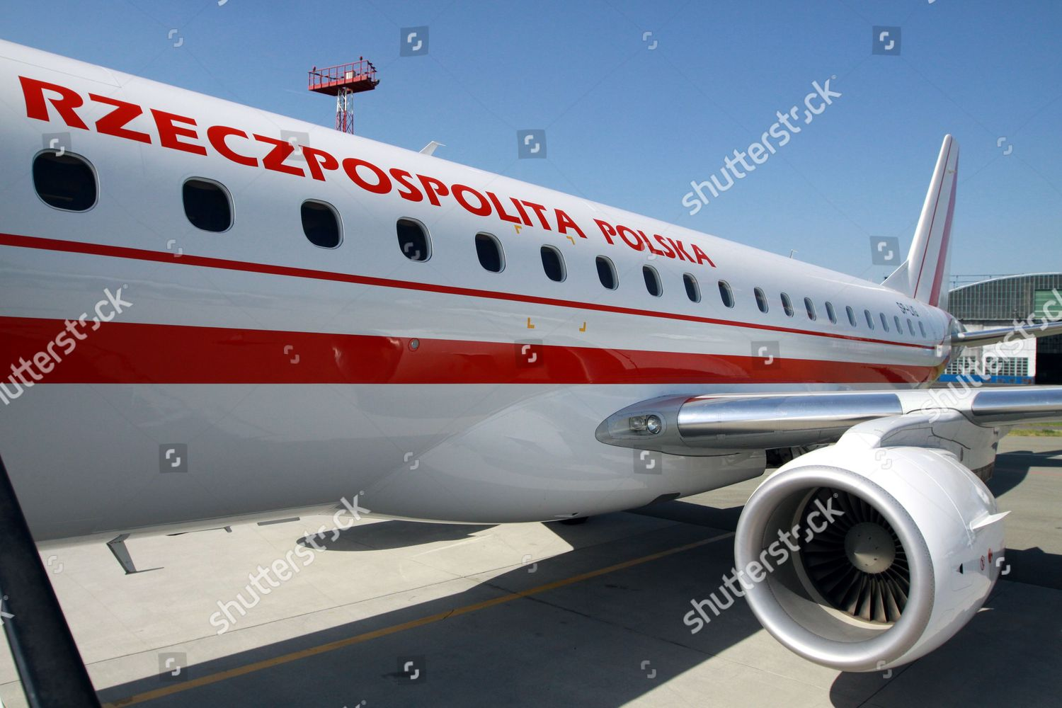 New Polish Governmental Plane Embraer 175 Has Editorial
