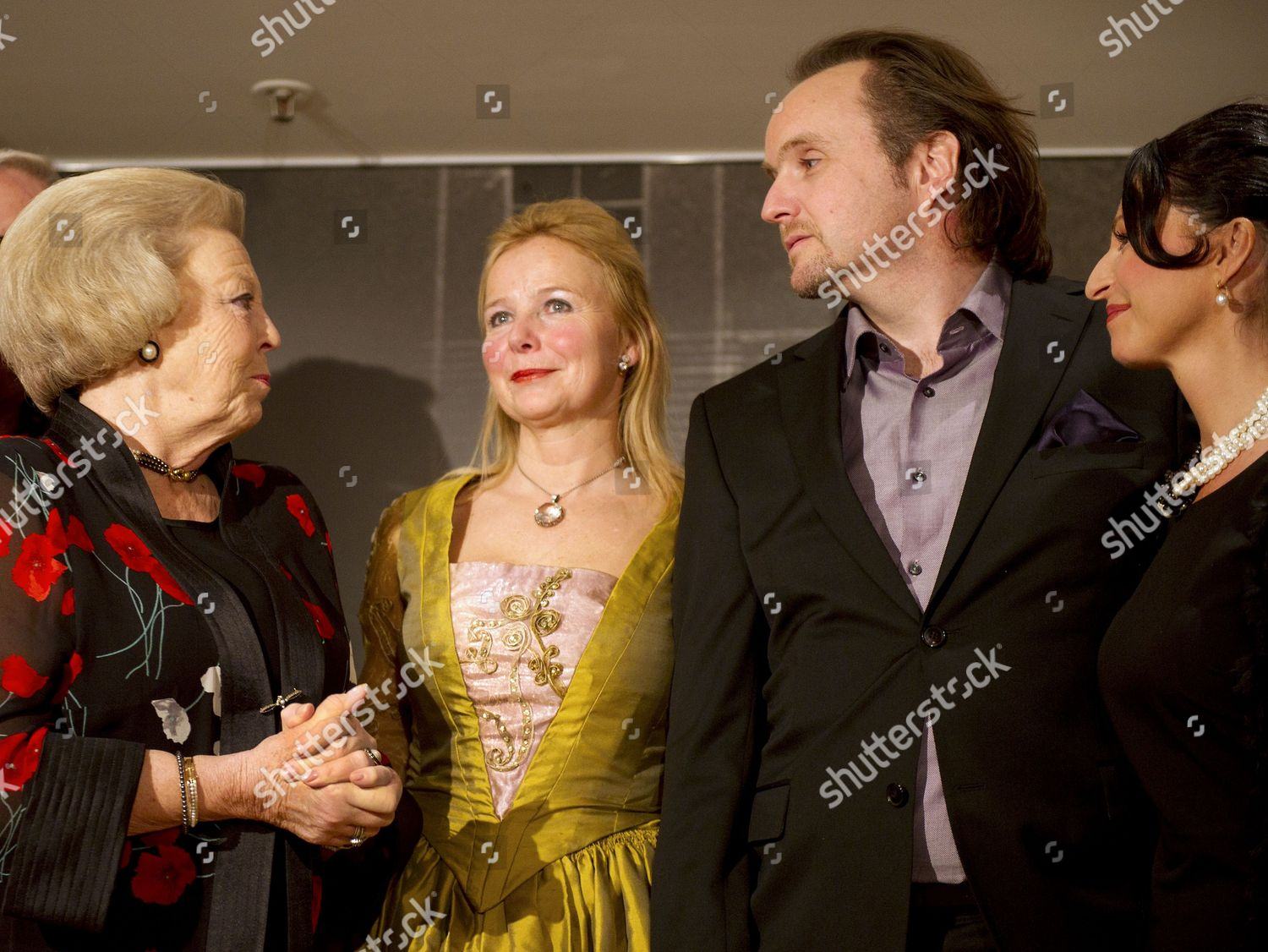 Dutch Queen Beatrix l Meets Dutch Singers Editorial Stock