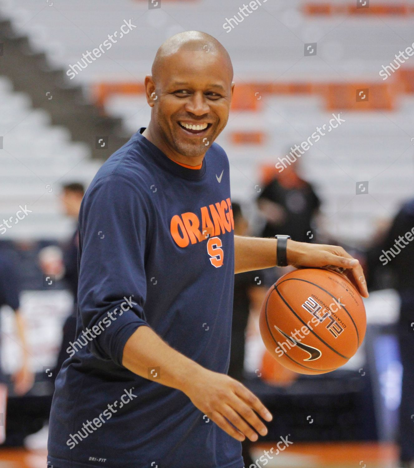 Syracuse Assistant Coach Adrian Autry Shoots Before
