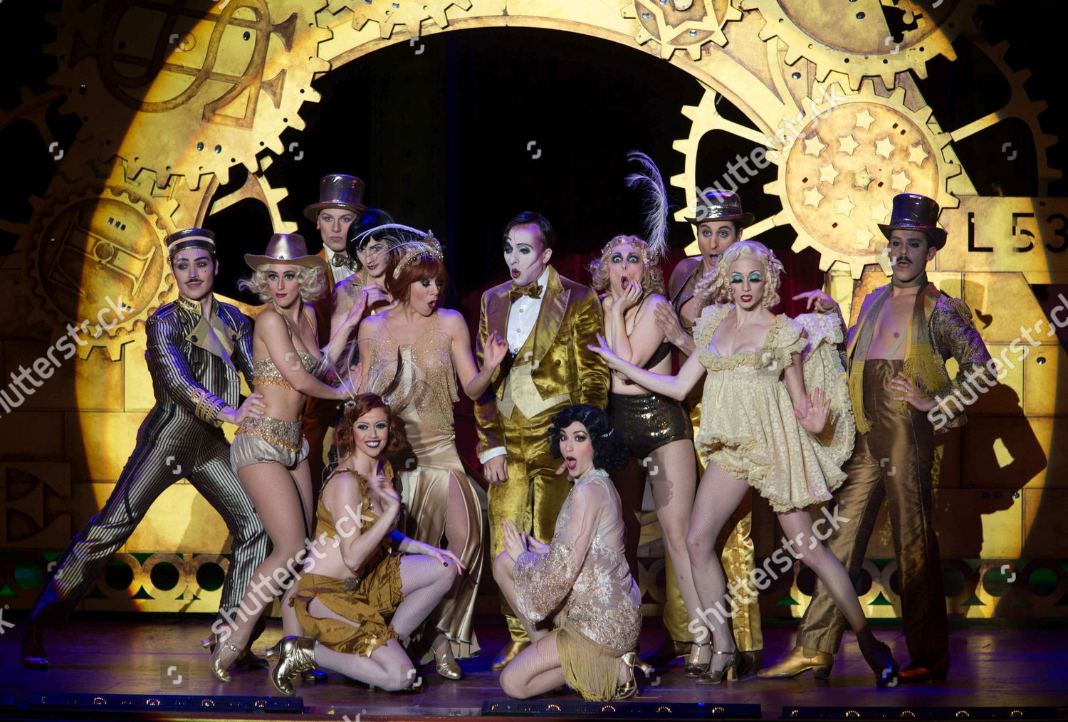 Actors Brodaways musical theatre perform on stage Editorial Stock ...