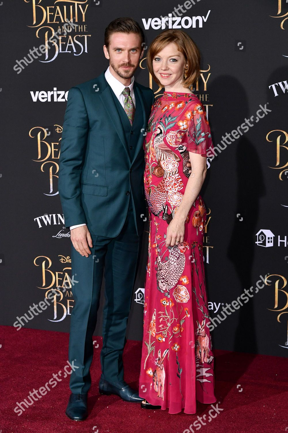 Dan Stevens Susie Hariet Editorial Stock Photo Stock Image Shutterstock Find the perfect susie hariet stock photos and editorial news pictures from getty images. https www shutterstock com editorial image editorial beauty and the beast film premiere los angeles usa 02 mar 2017 8460905aa