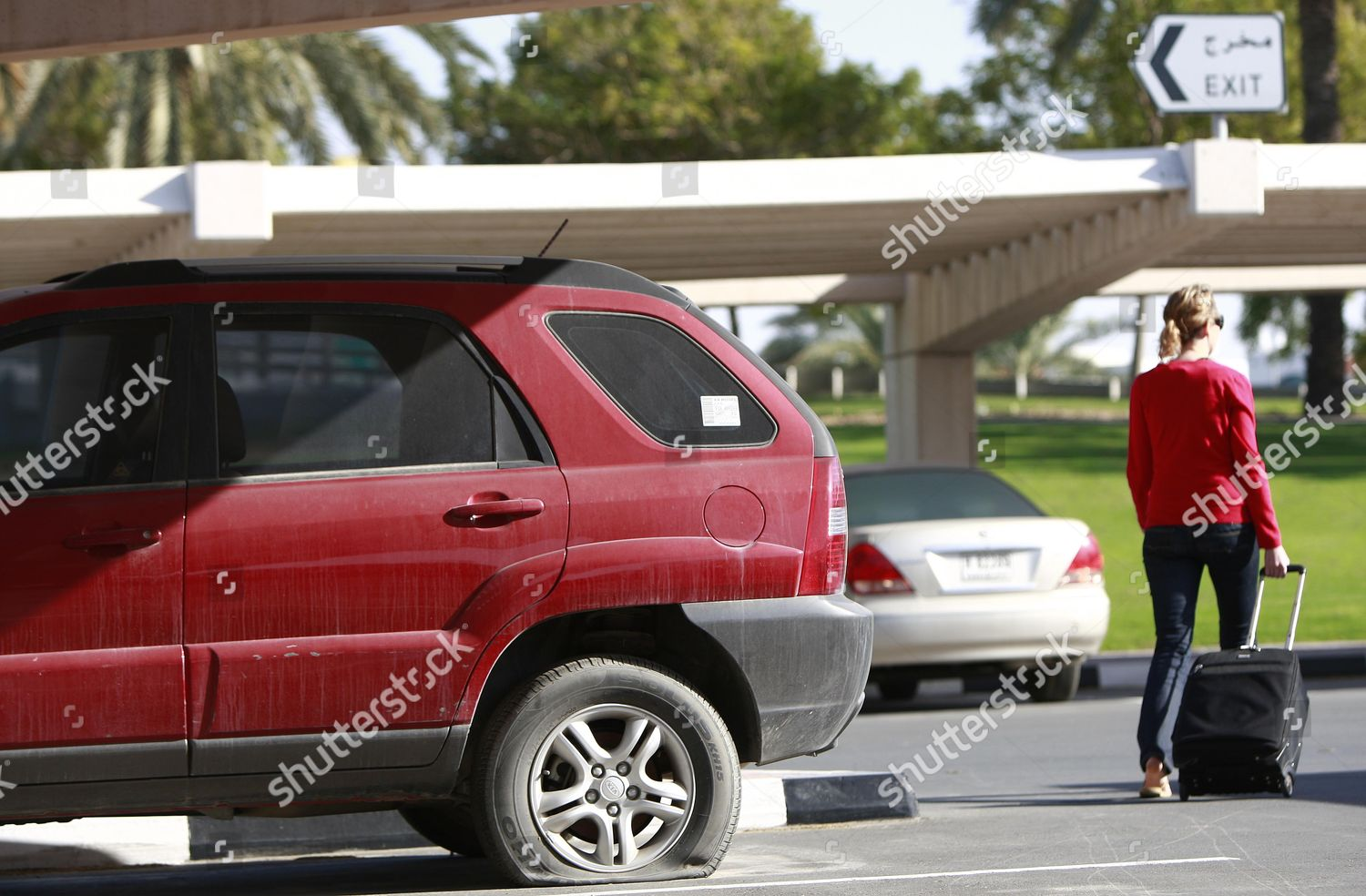 4x4 Car Abandoned Dubai International Airport 4 Editorial Stock Photo Stock Image Shutterstock