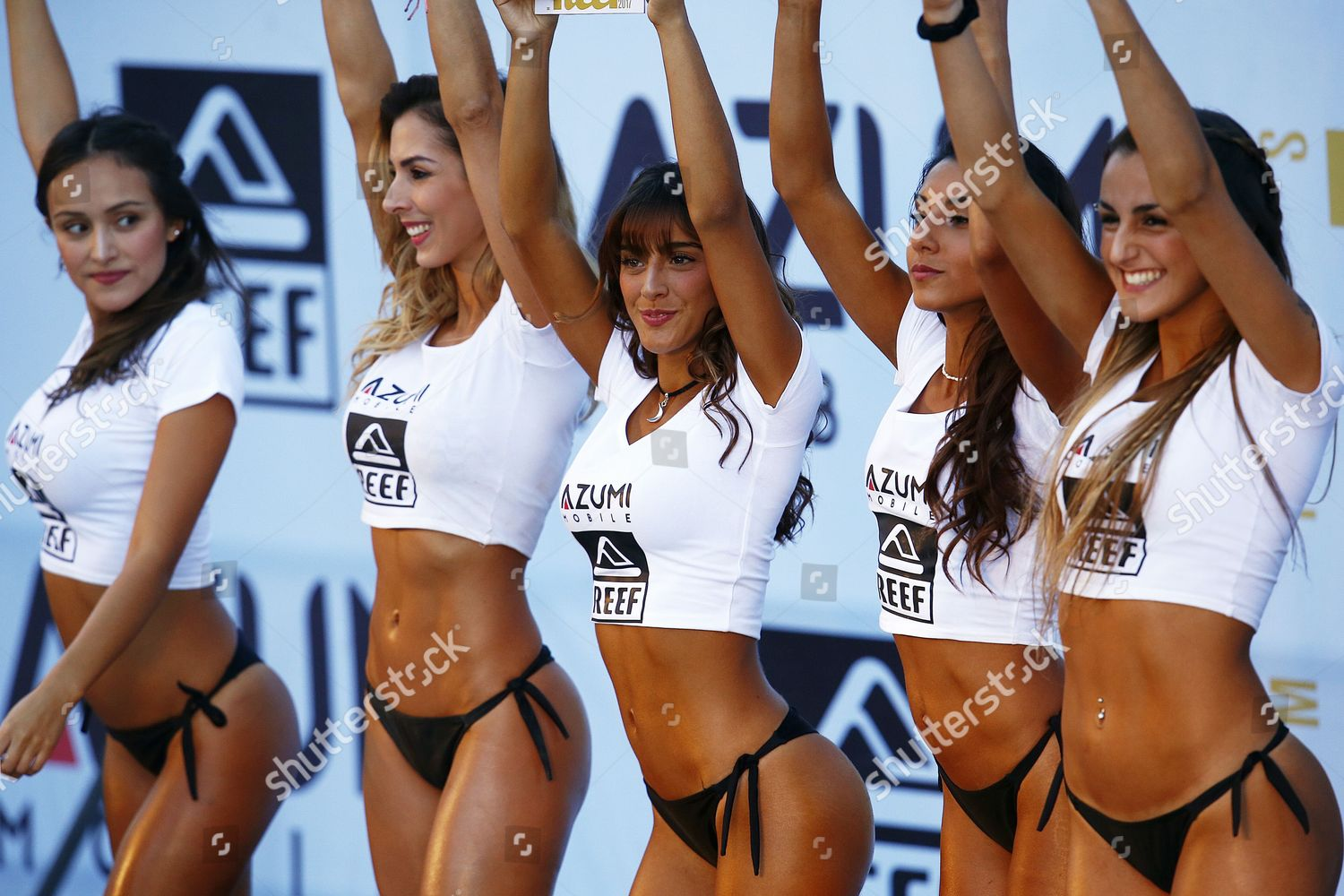 Participants final Miss Reef contest pose during Editorial ...