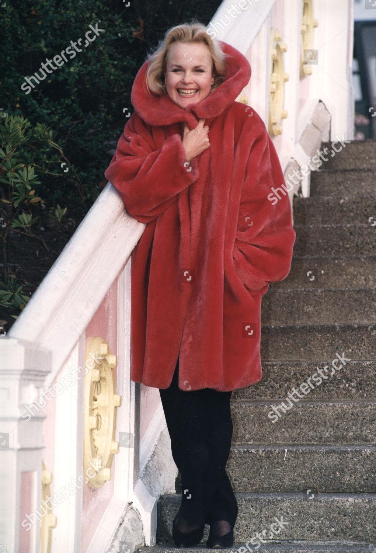 Sally Fraser,Trevor Reid (1908-1965) Adult clips Hillary B. Smith,Brooke Lauren