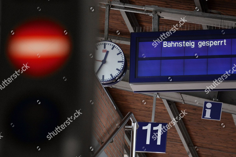 display board words Platform closed Dortmund central