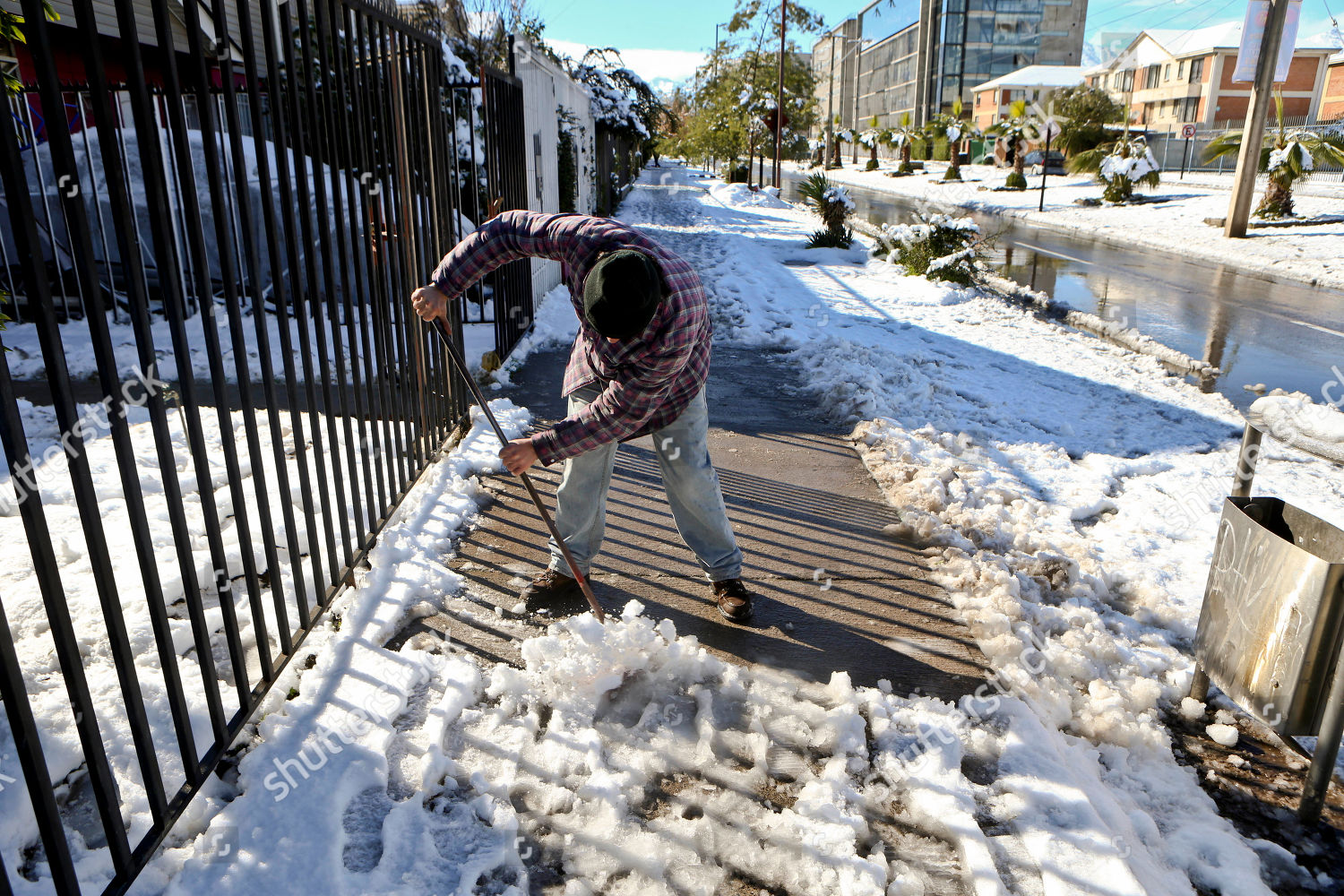 Marcelo Elias 43 Cleans Snow Ice Off Editorial Stock Photo Stock Image Shutterstock