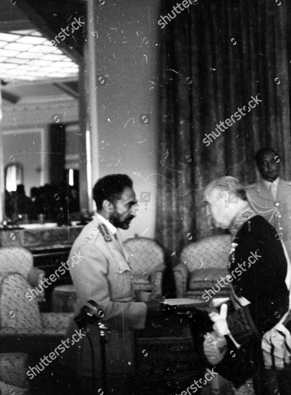 Varastovalokuva kohteesta 25th Anniversary Of Haile Selassie Of Ethiopia Coronation. The Emperor Speaks To Members Of The Diplomatic Corps.