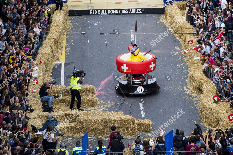 Red Bull Soap Box Derby >> Participant Races Soapbox Designed Like Swiss Fondue