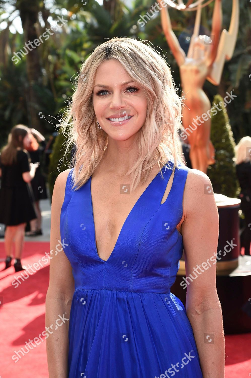 Kaitlin olson emmy awards in los angeles new pics