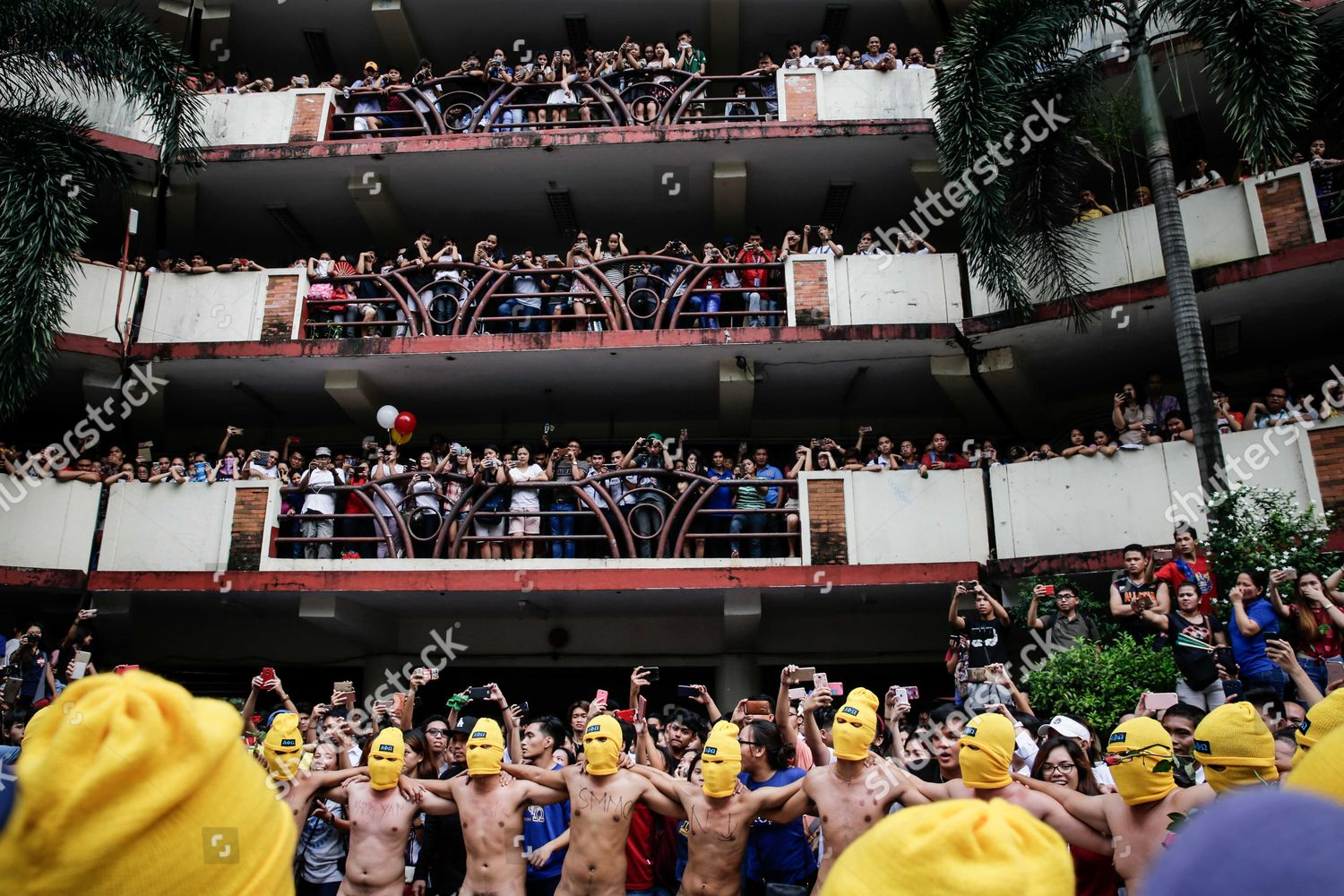 UP Oblation Run hits Marcos burial at Heroes Cemetery