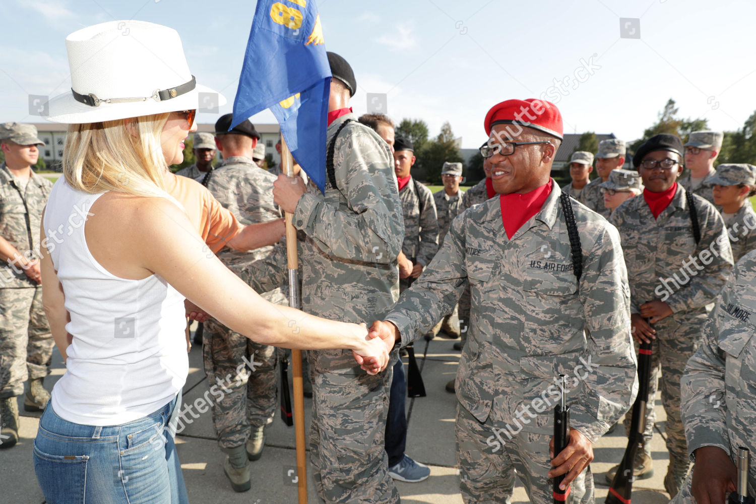 Kate Hudson meets 336th Training Squadron Deepwater