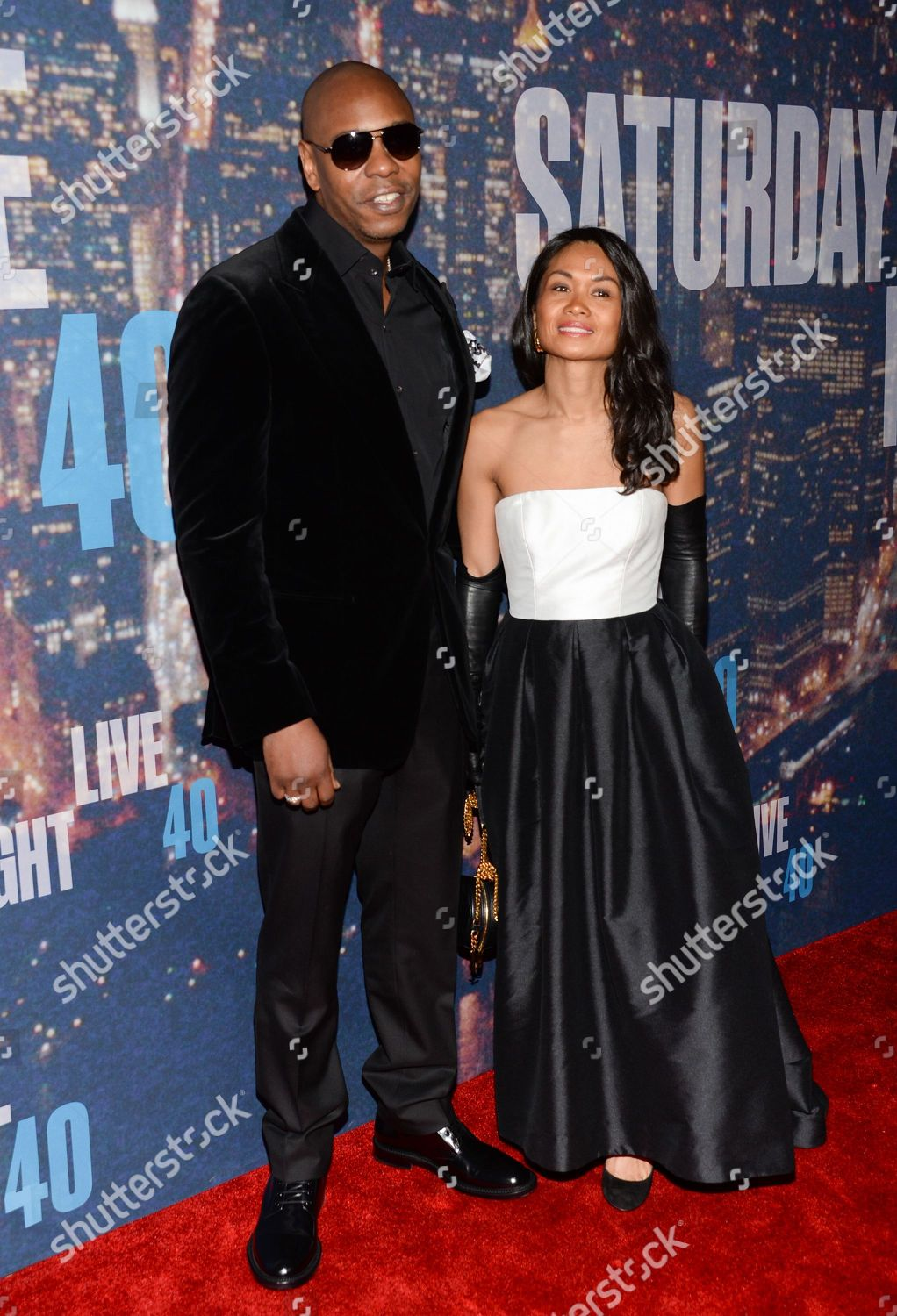 dave chappelle wife elaine chappelle attend snl editorial stock photo stock image shutterstock https www shutterstock com editorial image editorial snl 40th anniversary special arrivals new york usa 15 feb 2015 9194654io