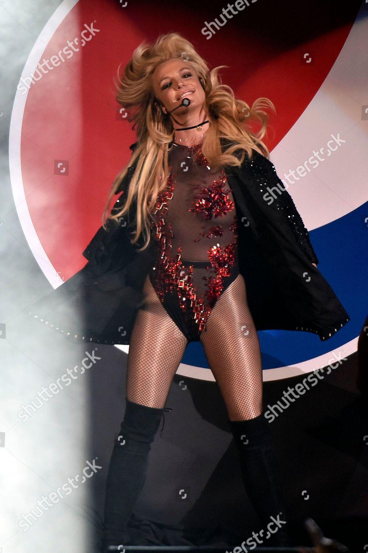Britney Spears performs B96 Pepsi Jingle Bash Editorial Stock Photo - Stock  Image | Shutterstock