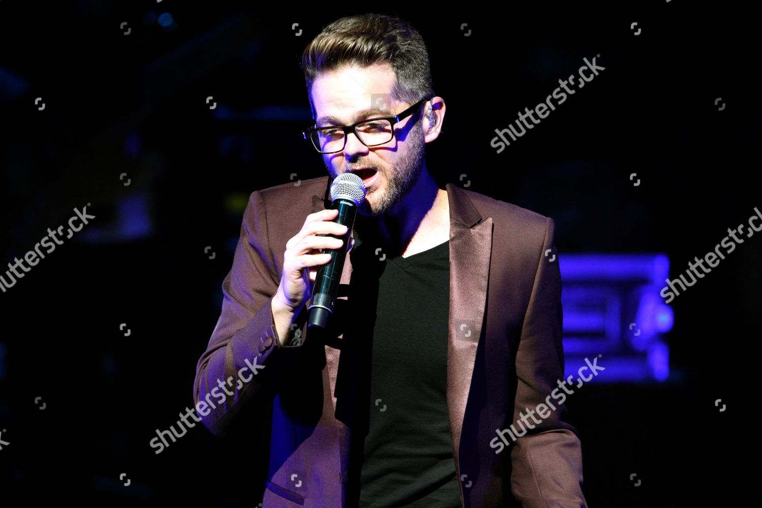 Voice Season 6 winner Josh Kaufman performing Editorial