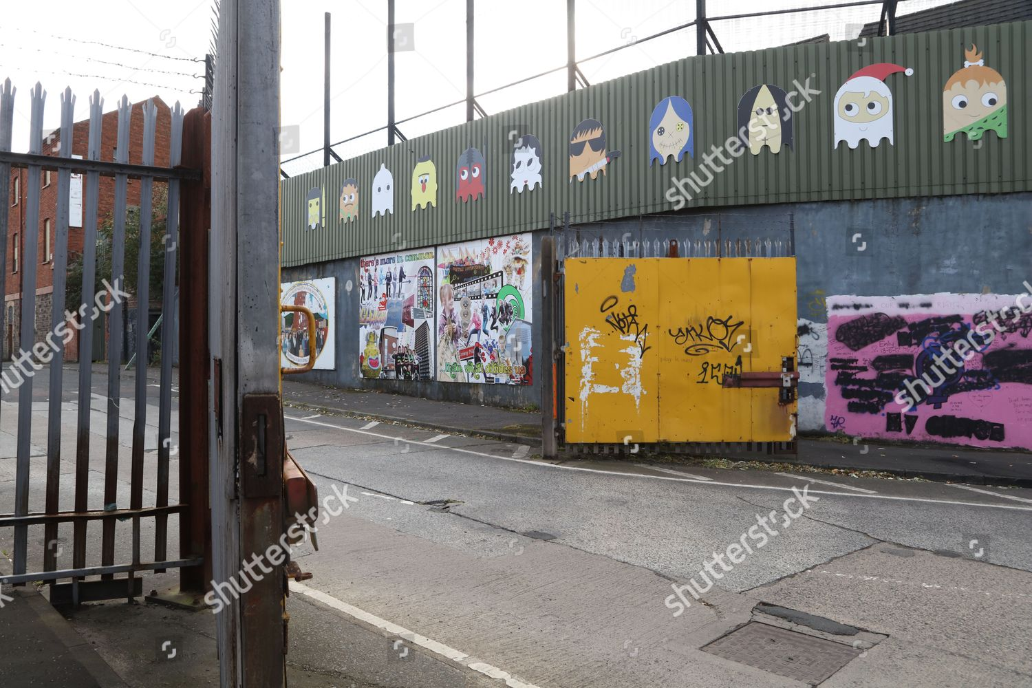 Gates Cupar Way Interface Peace Wall Editorial Stock Photo - Stock