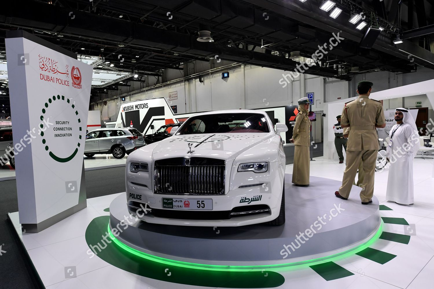 Officers Stand Next Dubai Police Rolls Royce Editorial Stock Photo Stock Image Shutterstock