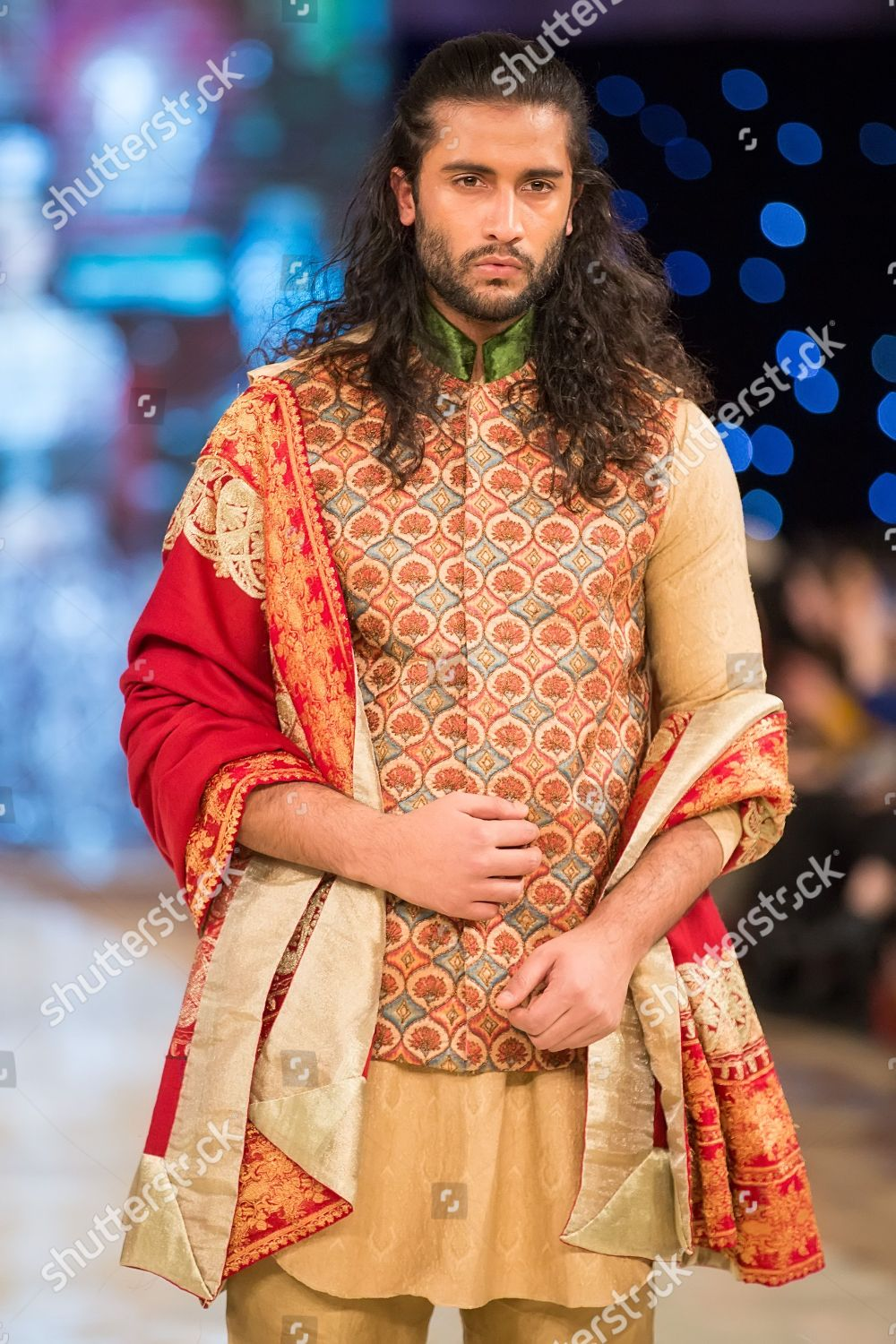Model On Catwalk Showcasing Rana Noman Design Editorial Stock Photo Stock Image Shutterstock