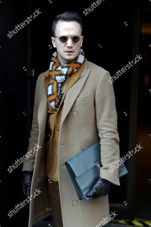Street Style On Strand London Fashion Week Stock Photo 9309757r