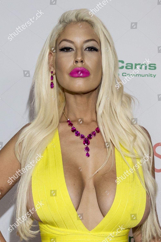 see through Video Bridgette B naked photo 2017