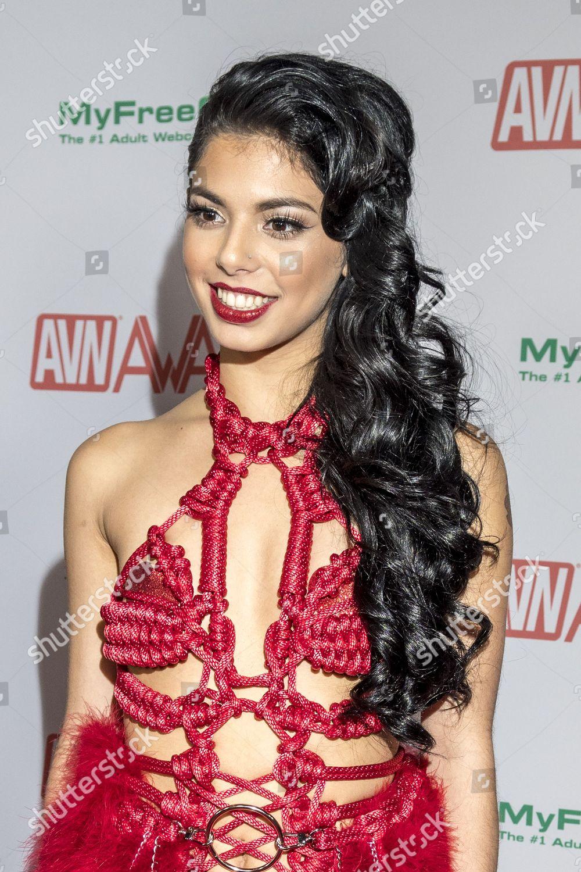 Gina Valentina Nude Photos 41