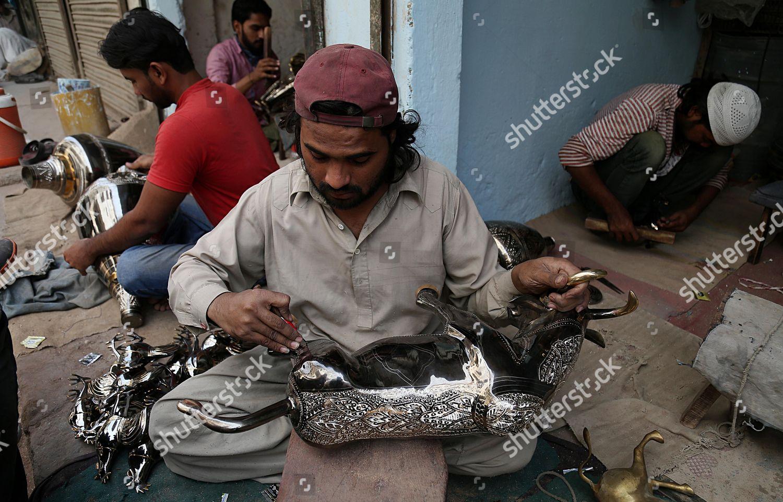 Pakistani Artisan Makes Cooper Brass Handicrafts Shop Stock Photo