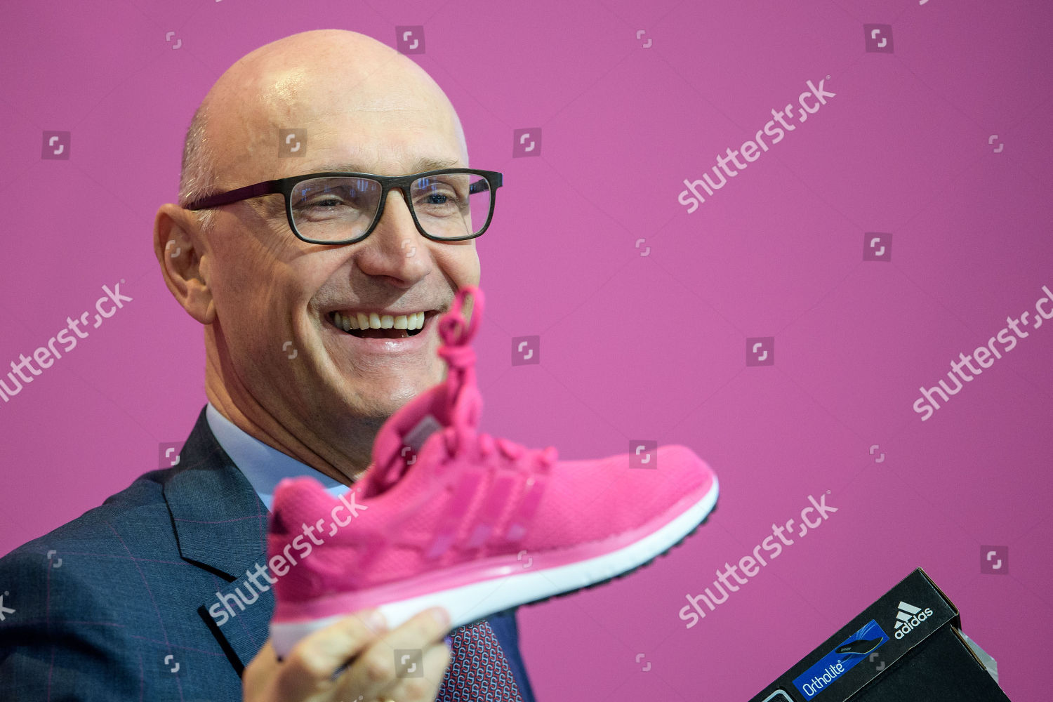 Holds Timotheus Ag Telekom Stock Ceo Deutsche Hoettges