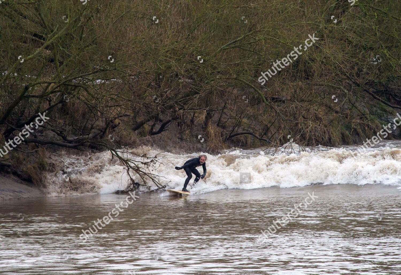 Surfers Ride Severn Bore Newnham Minsterworth Following