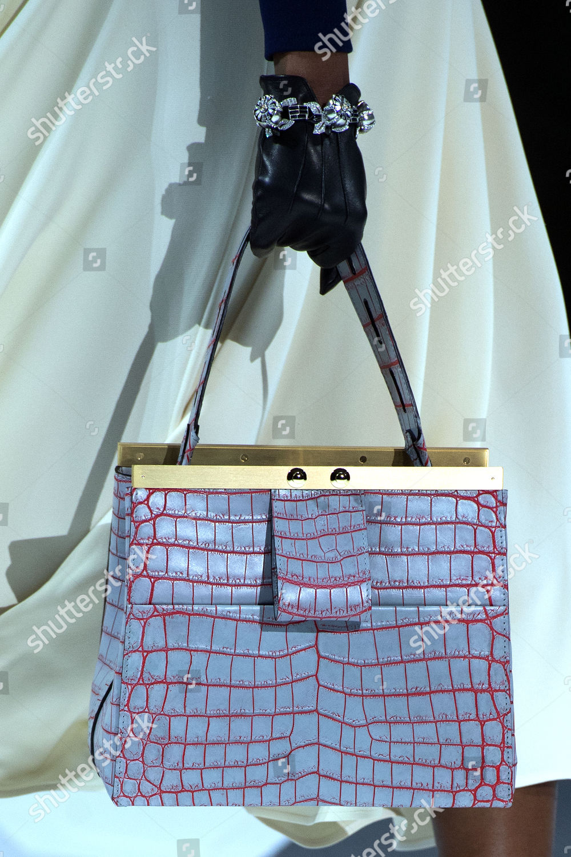1829ae49ff555 Louis Vuitton - Runway - Paris Fashion Week Ready to Wear F W 2018 2019