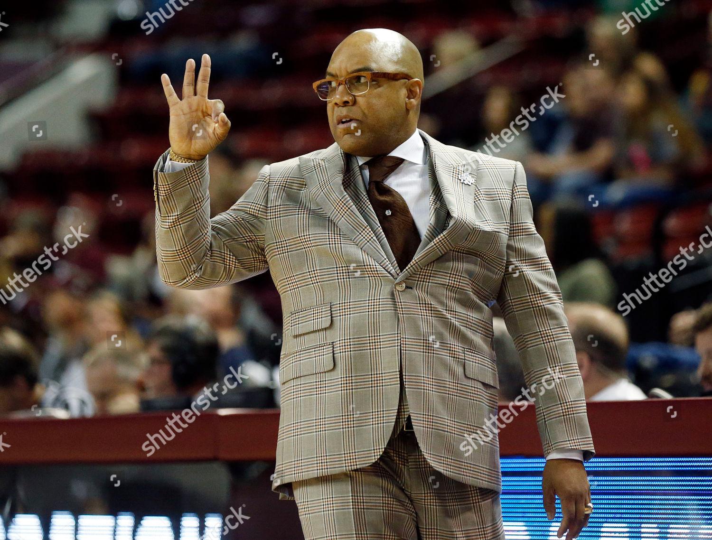Syracuse Head Coach Quentin Hillsman Signals Threepoint