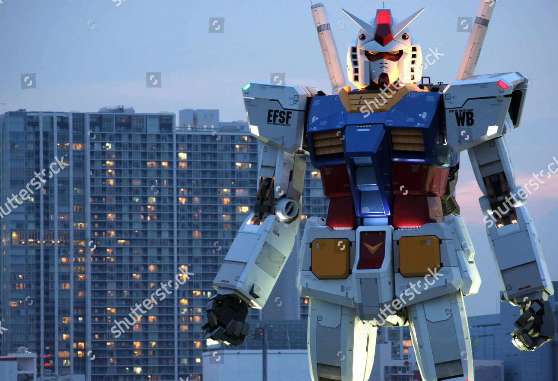 18meter 60foot Tall Gundam Appears Tokyo Park Stock Photo 9517514a