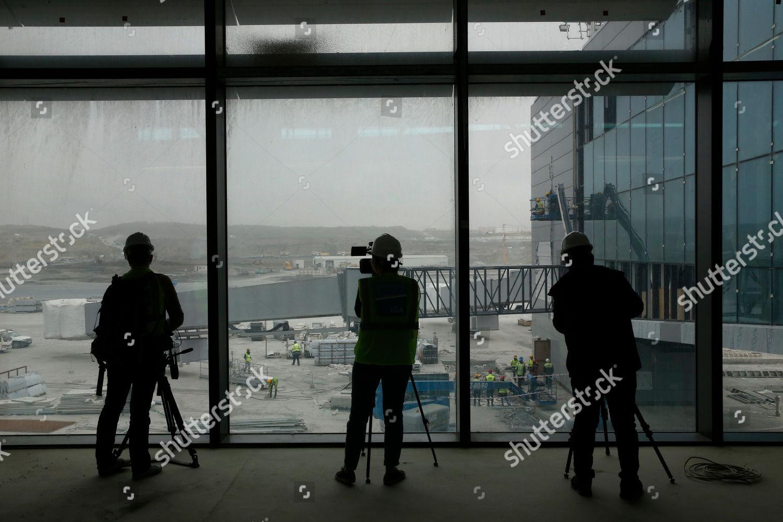 Members media film inside one terminals Istanbuls Editorial