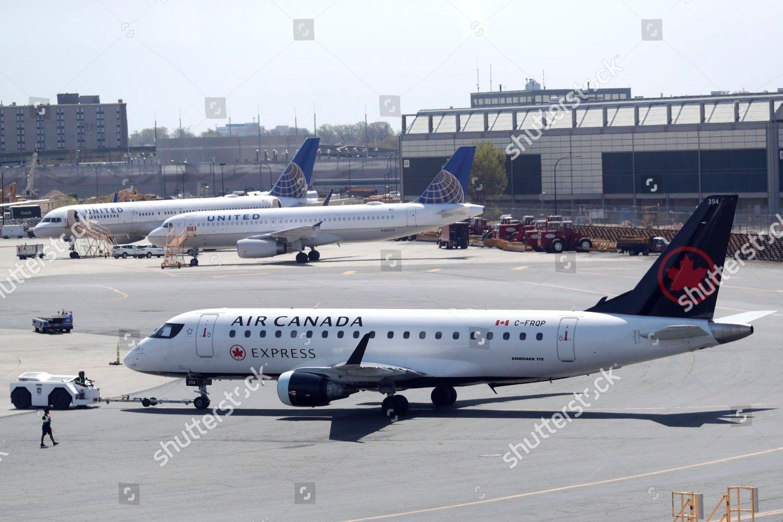 Air Canada jet taxis Newark Liberty International Editorial