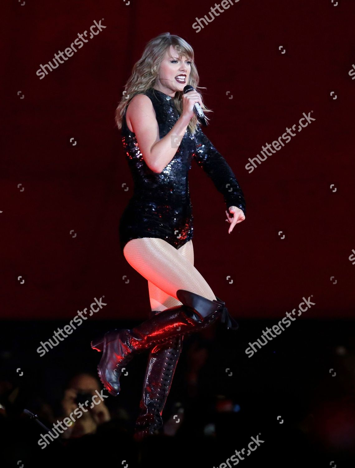 Taylor Swift Performs During Reputation Stadium Tour Editorial Stock Photo Stock Image Shutterstock
