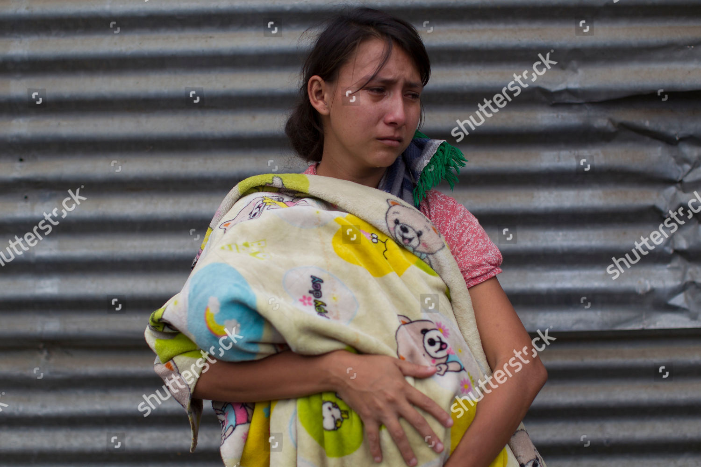 Kimberly Sofia Gonzalez Cries She Holds Baby Editorial Stock Photo