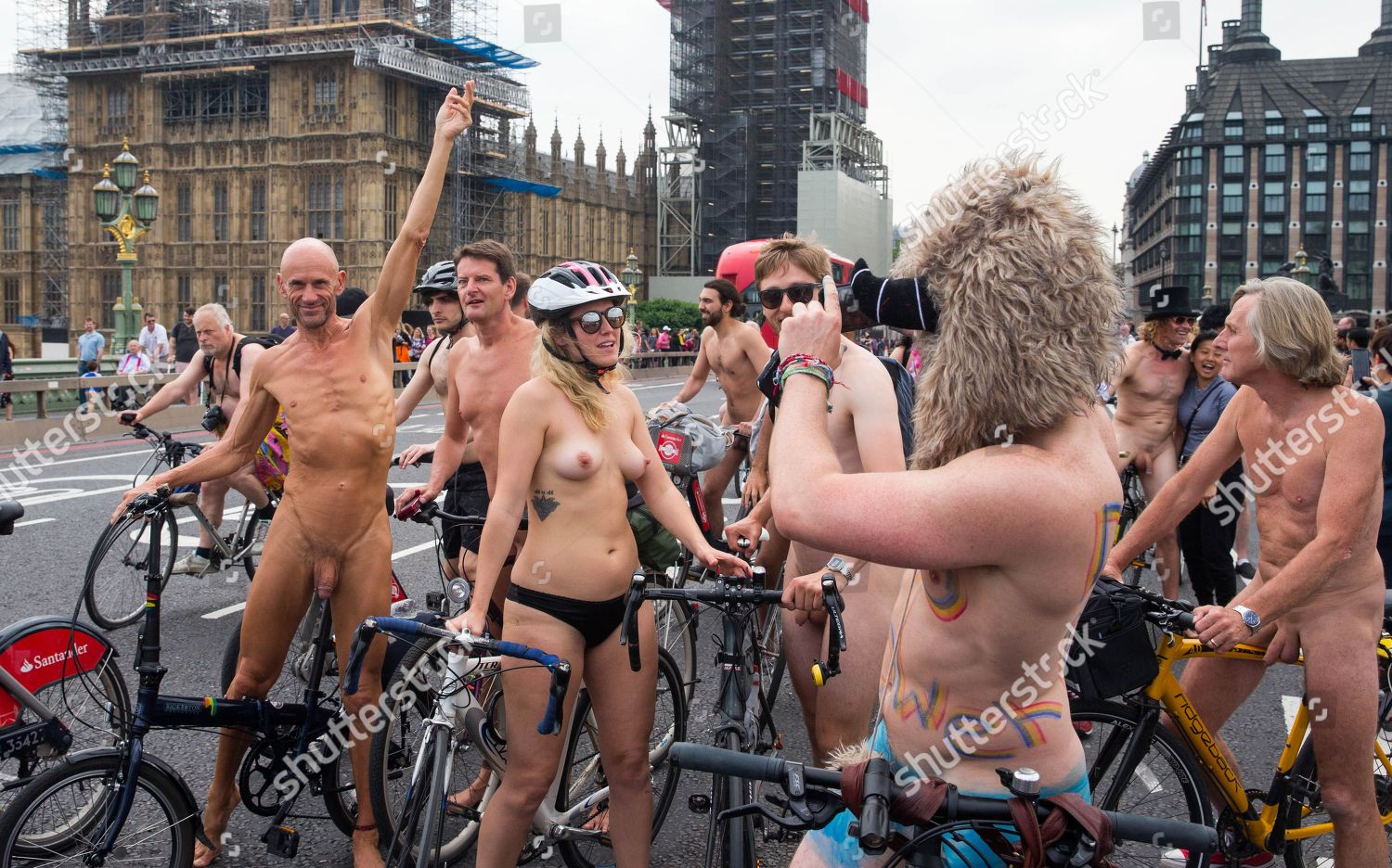 Hundreds Cyclists Ride Through Streets London Naked -5630