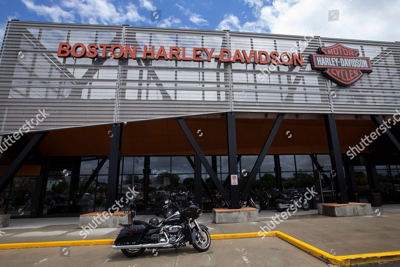 Boston Harley Davidson >> Harley Davidson Motorcycle Outside Boston Harley Davidson