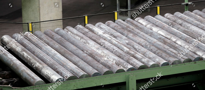 Steel billets lined processing Tenaris seamless pipe