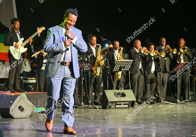 Ethiopian singer Teddy Afro perfoms celebrational event