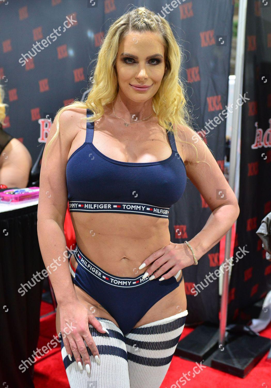 Instagram Phoenix Marie nude photos 2019