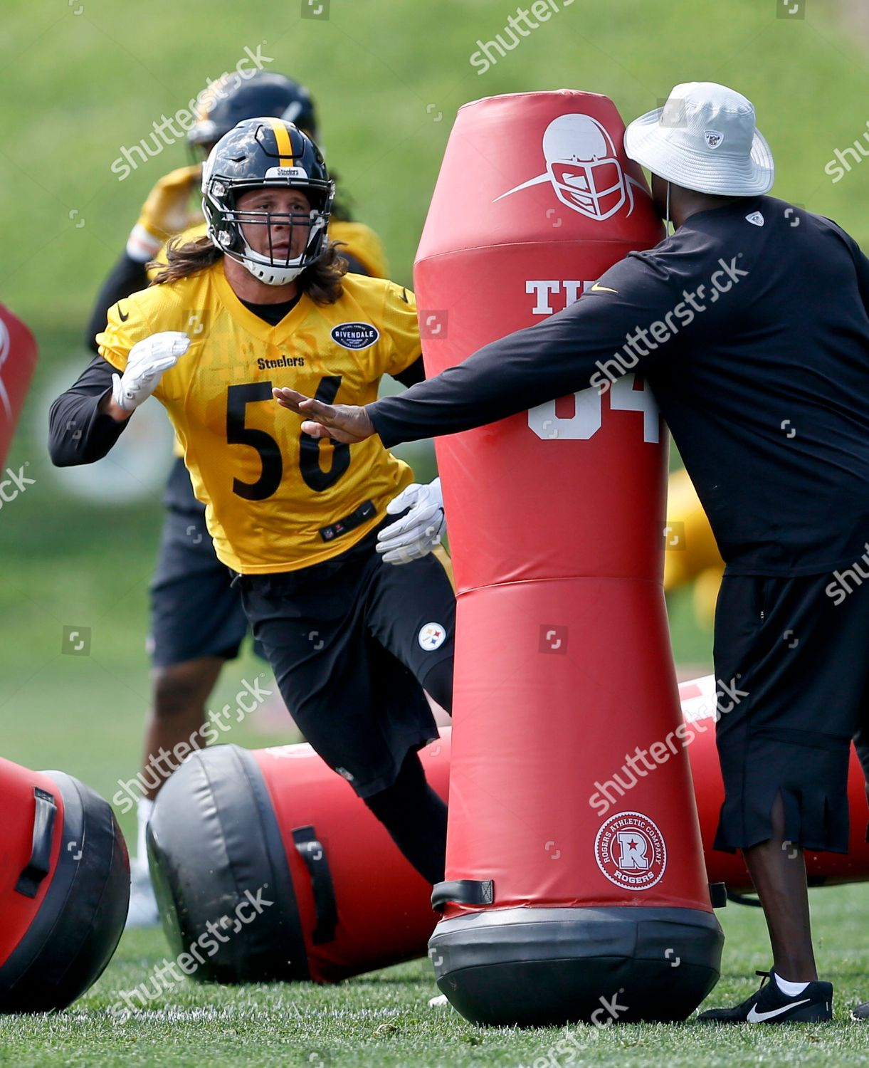 a38b51429 Pittsburgh Steelers linebacker Anthony Chickillo goes through ...