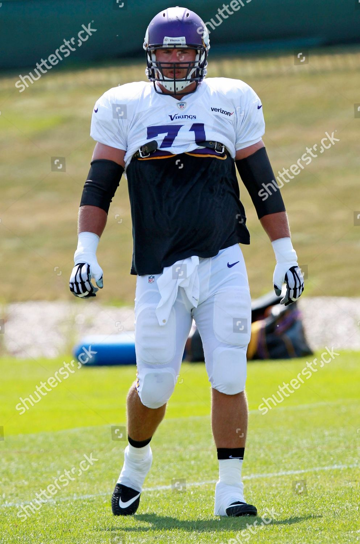 sale retailer c0352 6e7ab Minnesota Vikings tackle Riley Reiff during NFL Editorial ...