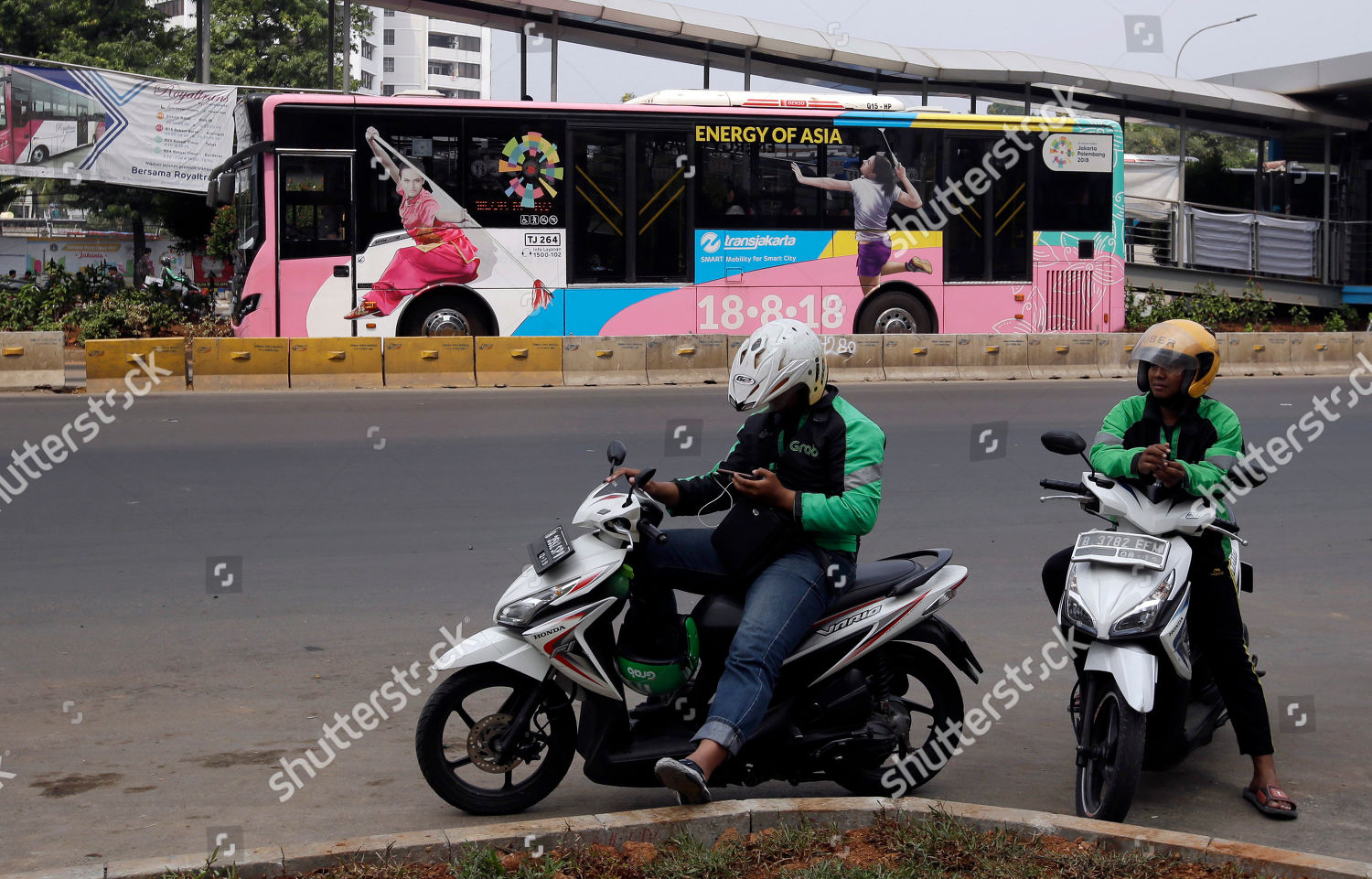 Seldom.. asian motorcycle taxi read this theme