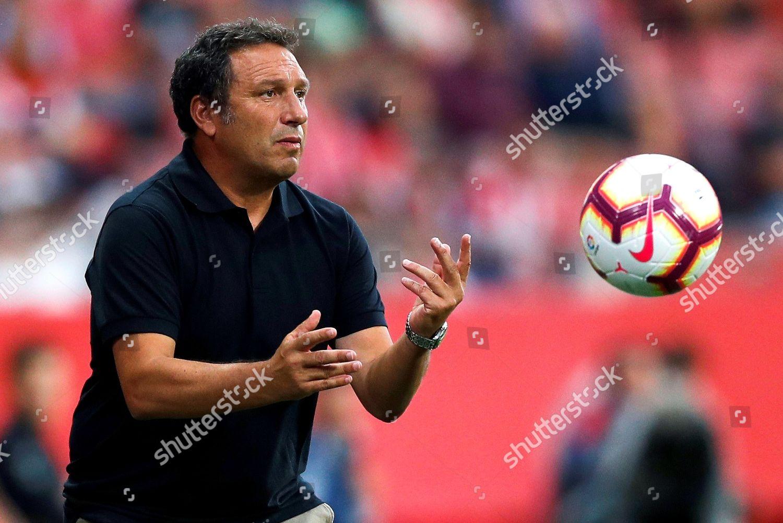 Gironas Head Coach Eusebio Sacristan Returns Ball Editorial Stock