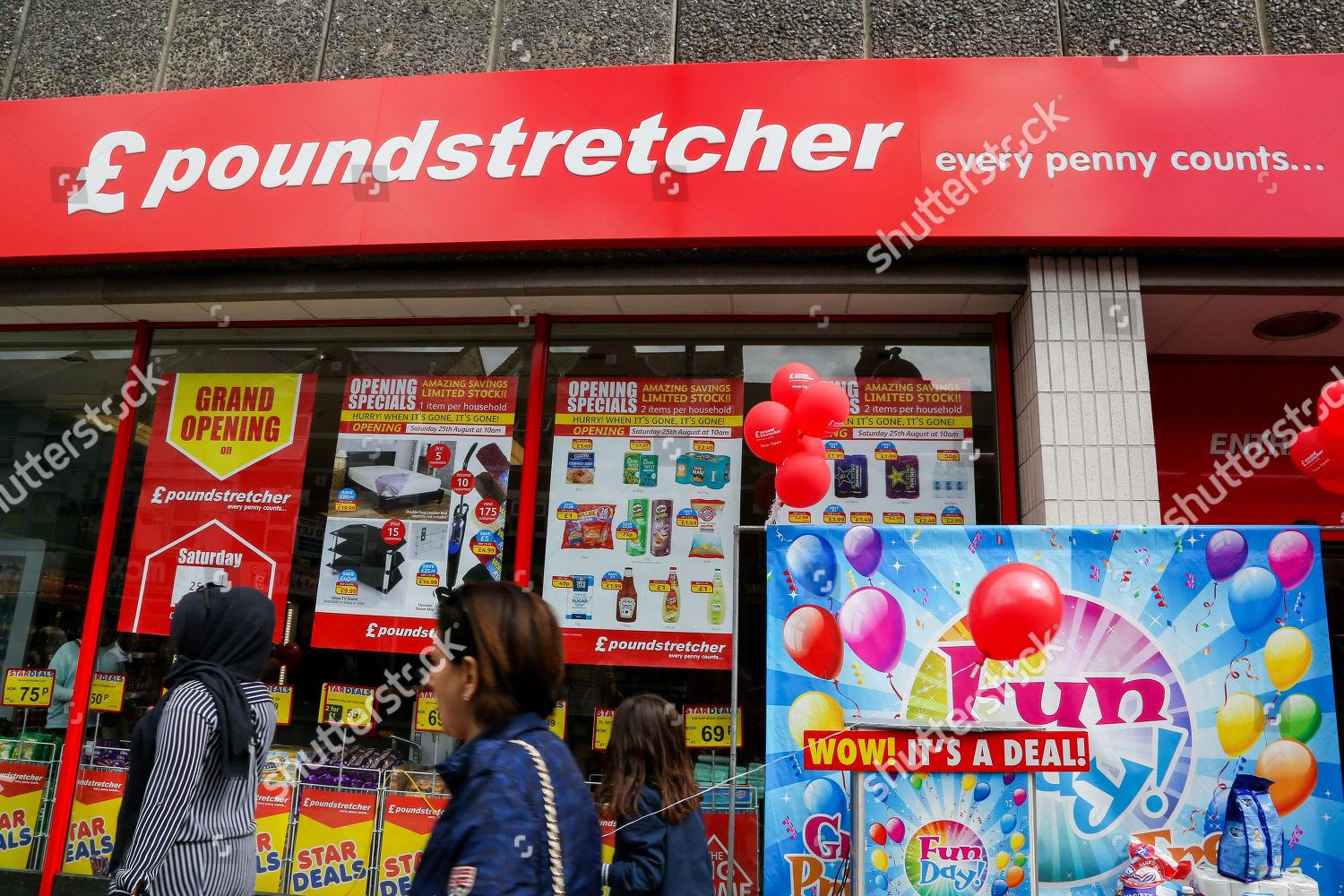 New Branch Discount Chain Poundstretcher Opens Wood