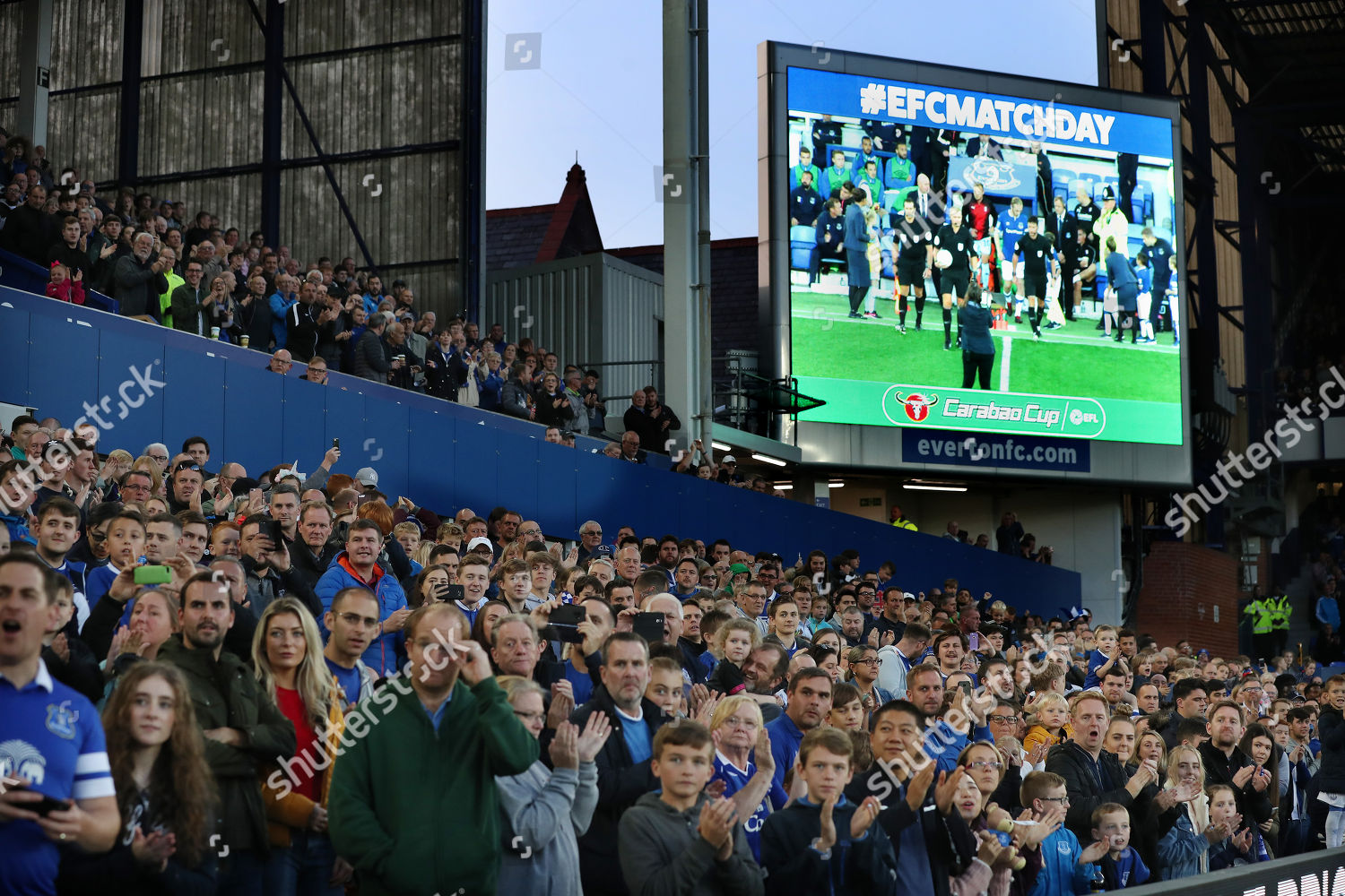 Everton Fans Applaud Big Screen Tv Shows Editorial Stock Photo Stock Image Shutterstock